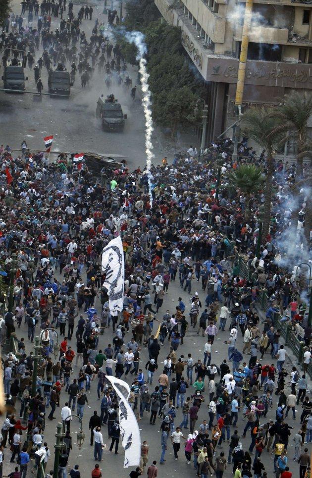 Le président égyptien annule son décret sans calmer l'opposition
