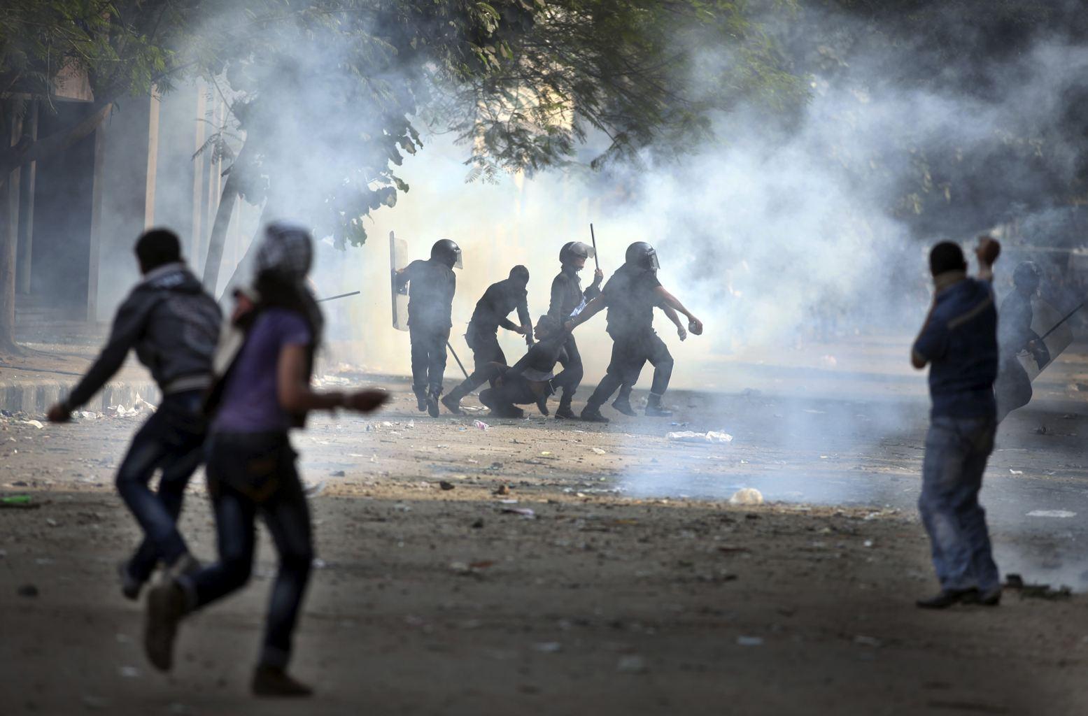 Pro et anti-Morsi en viennent aux mains au Caire