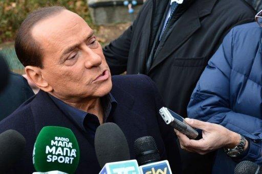 Italie: Berlusconi donne le ton d'une campagne qui s'annonce dure