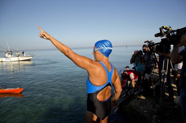 A 64 ans, Diana Nyad fait la traversée à la nage de Cuba à la Floride