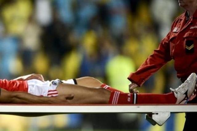 Un jeune footballeur avale sa langue et meurt
