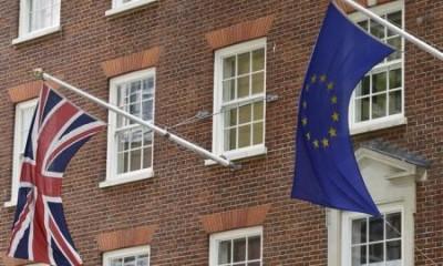Le référendum sur l'appartenance de la Grande-Bretagne à l'Union européenne sera organisé d'ici un an, rapporte l'Independent on Sunday. Le Premier ministre David Cameron, à l'origine de cette initiative, espérant ainsi inciter ses partenaires à faire rapidement des concessions à Londres. /Photo prise le 9 juin 2015/REUTERS/Toby Melville