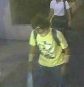 La police recherchait mardi un «suspect» identifié grâce aux images de vidéo-surveillance après «la pire attaque jamais» commise en Thaïlande d'après le chef de la junte au pouvoir, et qui a fait au moins 21 morts à Bangkok. / Photo: dr /Twitter