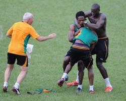 Bagarre de Jouer de l'équipe de Côte d'Ivoire